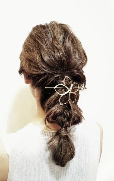 ロープ編みと三つ編みのダウンスタイル